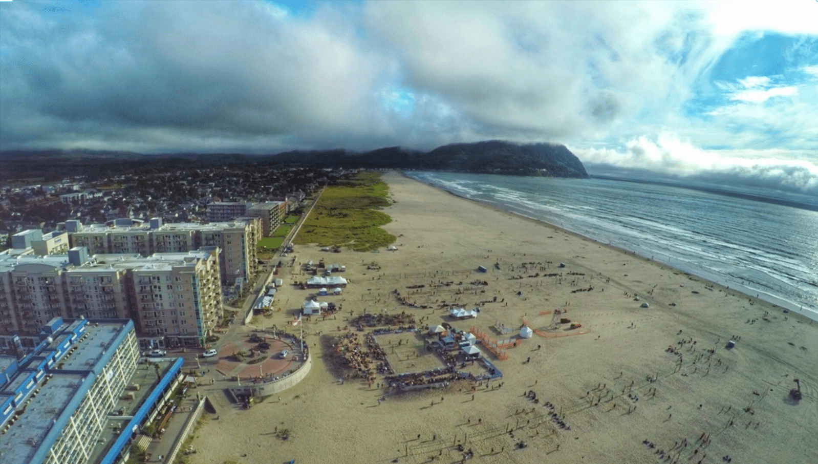 Aerial Photo Mens Beach Volleyball Seaside Oregon 2015.19 PM