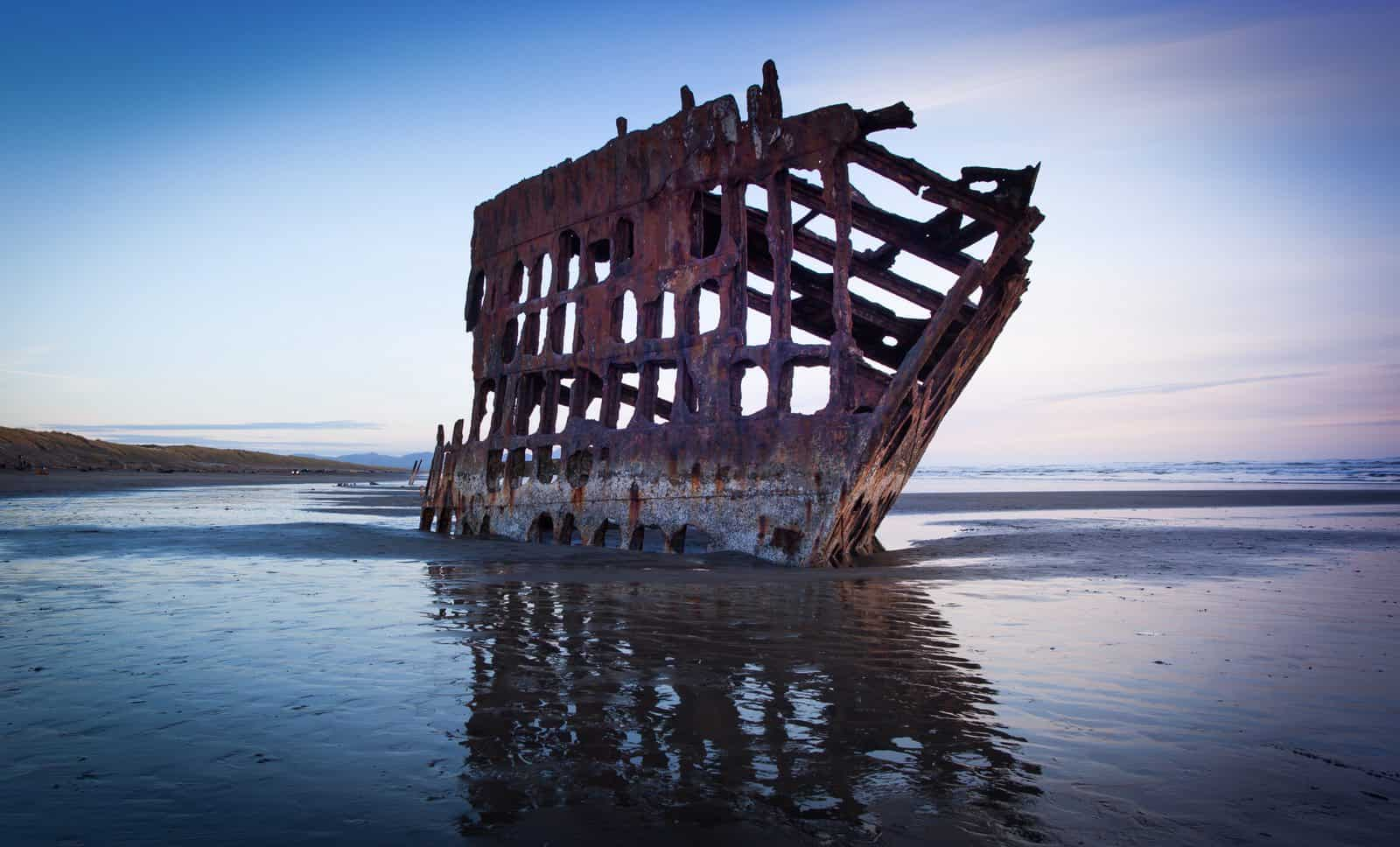 picture-of-peter-iredale-shipwreck-warrenton-oregon 4889x2957