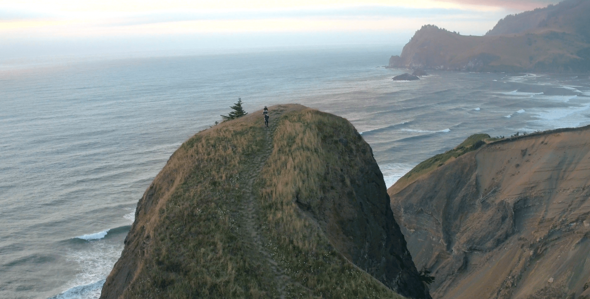 the-thumb-viewpoint-lincoln-city-oregon-coast