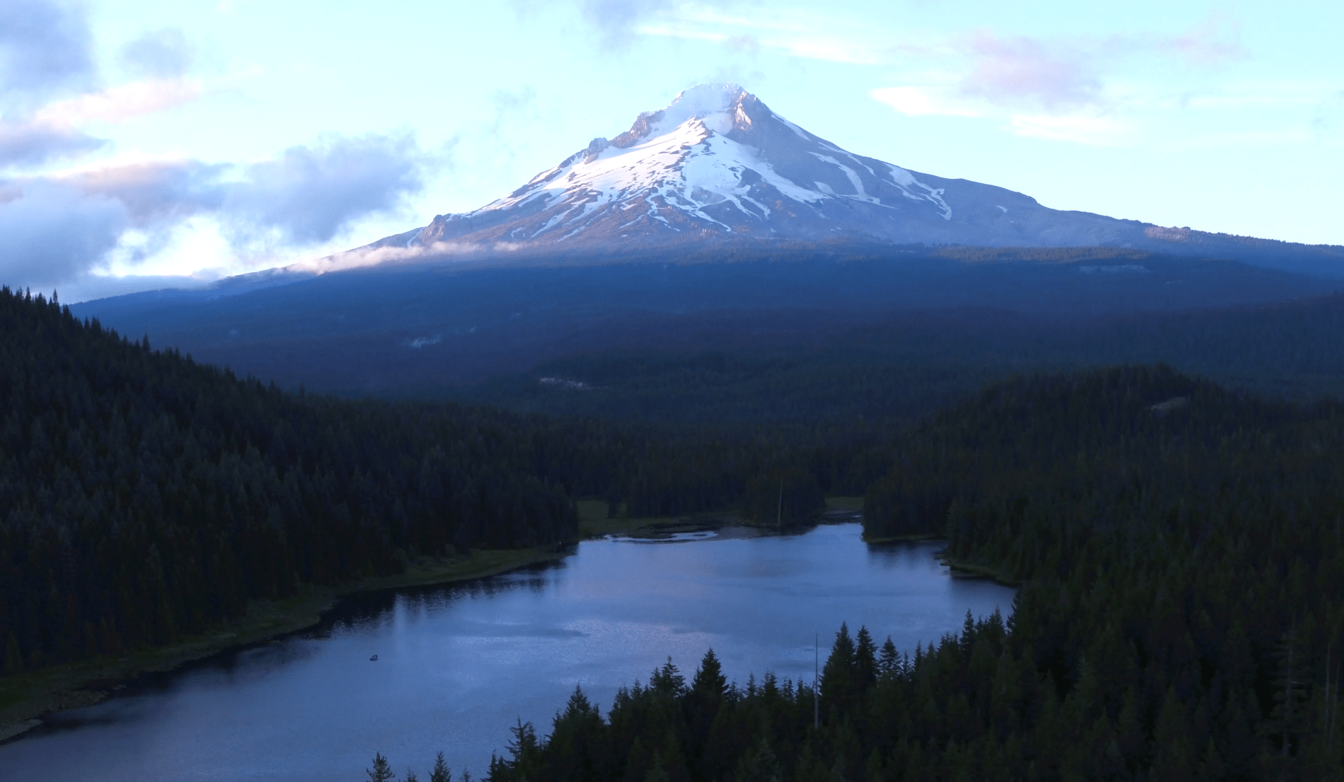 trillium-lake-aerial-photo-mt-hood-oregon